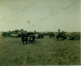 Unidentified Threshing Crew