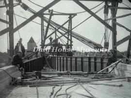Raising Last Girder for First Street Bridge