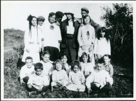 School children, Bender Hamlet 2