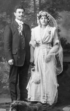 Wedding of Rose Peikoff & Mayer Hoffer, Rossburn, Manitoba 1