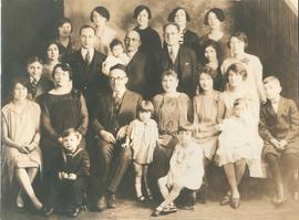H.L. Weidman family, children and grandchildren 1