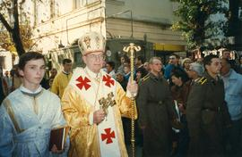Metr. Bzdel with parishioners during the Closing of the 400th anniversary of the Union of Brest