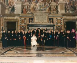 Group photo of Bishops with Pope